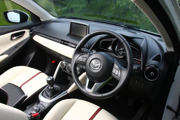 Mazda-DEMIO_471-618x411