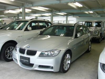 BMW 320i ツーリング Mスポーツ