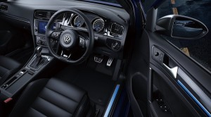 Volkswagen-Golf_R_jp4